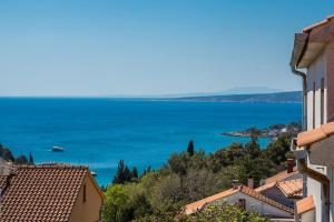 One-Bedroom Apartment with Balcony and Sea View Apartments & Rooms Dario Krk