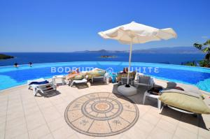 obrázek - Bodrum Flamingo 4 Bed 4 Bath Duplex Holiday Villa with Seaview