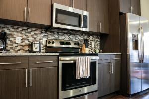 Dormigo Eastside Apartment 2, Apartments  Austin - big - 48
