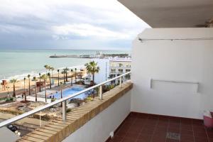 Apartamentos Buensol, Apartmanok  Torremolinos - big - 10