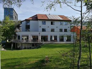 Zug Youth Hostel - Accommodation - Zug