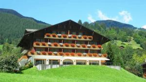 Hotel Gletscherblick - Accommodation - Grindelwald