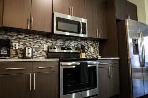 Dormigo Eastside Apartment 4, Apartments  Austin - big - 51