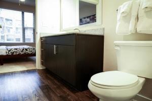 Dormigo Eastside Apartment 4, Apartments  Austin - big - 40