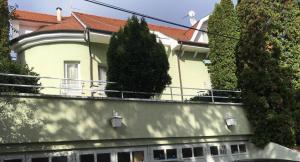 Villa Arató