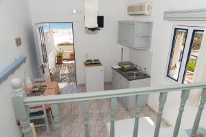 Captain Manos Studio Apartments, Apartmány  Grikos - big - 13