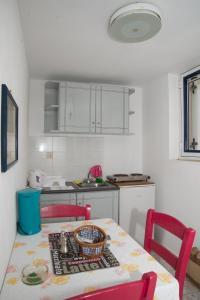 Captain Manos Studio Apartments, Apartmány  Grikos - big - 23