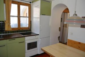 Apartment Bos-cha, Appartamenti  La Punt-Chamues-ch - big - 17