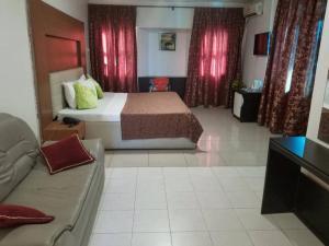 Blue Royal Hotel, Hotels  Larteh Aheneasi - big - 16
