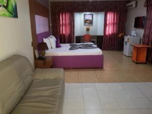 Blue Royal Hotel, Hotels  Larteh Aheneasi - big - 14