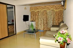 Blue Royal Hotel, Hotels  Larteh Aheneasi - big - 8