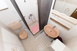 Brslog apartment, Apartmanok  Brela - big - 57