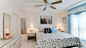 Paradise Village - Three Bedroom Home - Holmes Beach