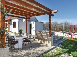 One-Bedroom Holiday Home in Pridraga