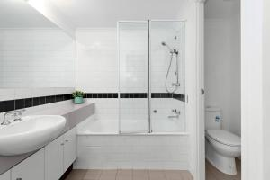 Dawn - Beyond a Room Private Apartments, Apartments  Melbourne - big - 8