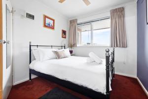 Eleanor - Beyond a Room Private Apartments, Апартаменты  Мельбурн - big - 8