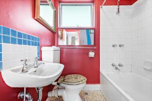 Eleanor - Beyond a Room Private Apartments, Апартаменты  Мельбурн - big - 4