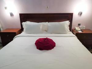 Serendib Hotel & Service Apartments