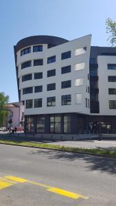 InTown Apartment Tuzla, Apartmány  Tuzla - big - 5