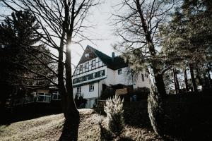 Landhotel Walderholung - Hohenstein-Ernstthal