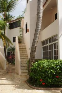 Los Corales Beach Apartments