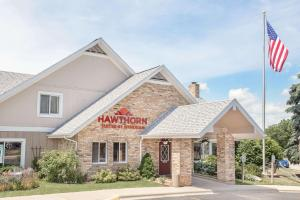 Hawthorn Suites Green Bay - Hotel