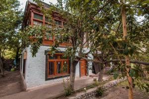 NotOnMap - Dragung House, Ubytování v soukromí  Alchi Gömpa - big - 2