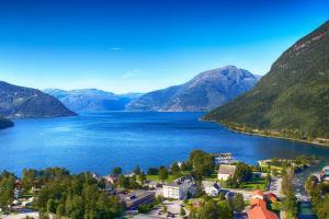 . Kinsarvik Fjordhotel
