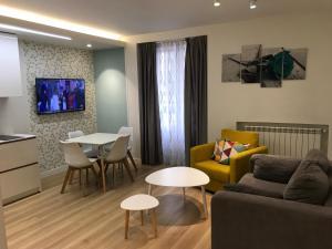 Apartamentos Apolo, Мадрид