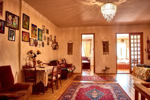 Nitsa Guest House, Penzióny  Gori - big - 76