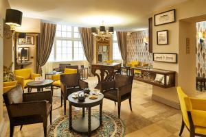 Hotel Bayonne Etche-Ona (1 of 49)