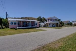 138 S 3rd Ave, Guest houses  Kure Beach - big - 10