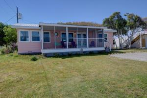 138 S 3rd Ave, Guest houses  Kure Beach - big - 4