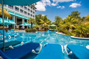 Sheraton Bijao Beach Resort & ..