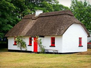 No. 7 Tipperary Thatched Cottages, Nenagh