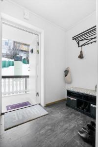 Nordic Host Apts - Tromsø City Center - Vestregata 64A, Apartments  Tromsø - big - 14