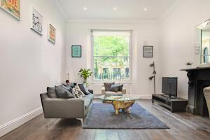The Queens Gardens Luxe apartment
