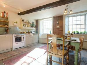 Fossilers Lodge - Charmouth