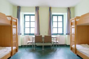 Bunk Bed in 4-6 Bed Male Dormitory Room  Jugendherberge Wien - Myrthengasse