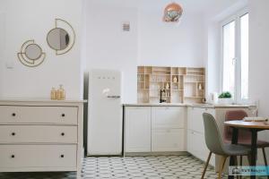 Warsaw Concierge Royal Baths Studio