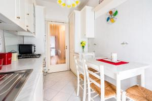 Alessia's Flat- Darsena Porta Genova M2 - AbcAlberghi.com