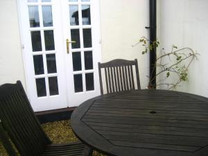 Eastbrook Cottage, Bed and Breakfasts  Trowbridge - big - 42