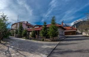 Mountain House - Fourna