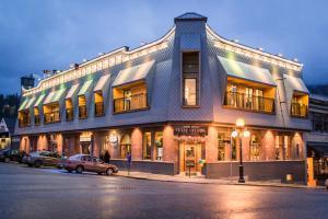 Savoy Hotel - Nelson