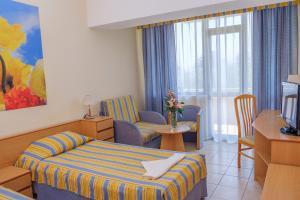 Lebed Hotel