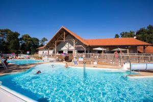 Location gîte, chambres d'hotes Camping Officiel Siblu Domaine de Soulac dans le département Gironde 33