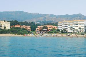 Marbella Beach Resort at Club Playa Real, Apartmanok  Marbella - big - 72
