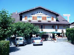 Location gîte, chambres d'hotes Hôtel Restaurant Aux Touristes dans le département Haute Savoie 74