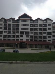 Apartment in Borovets Gardens C17, Apartments  Borovets - big - 24