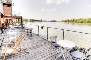 ArkaBarka Floating Hostel & Apartments (4 of 64)